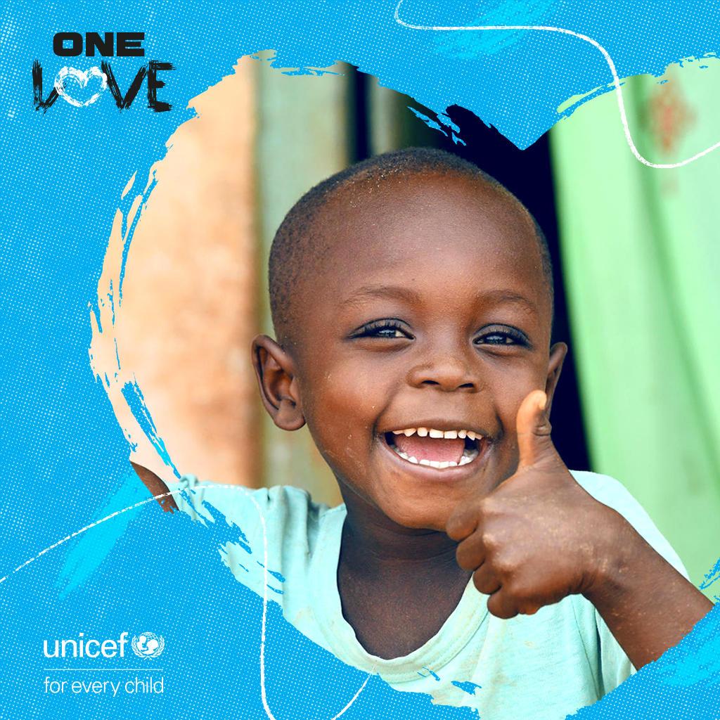 Pomáhat je zdravé. Zapojte se do kampaně One Love!
