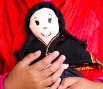 Výzva pro šikovné tvůrce: Ušijte exotickou panenku!