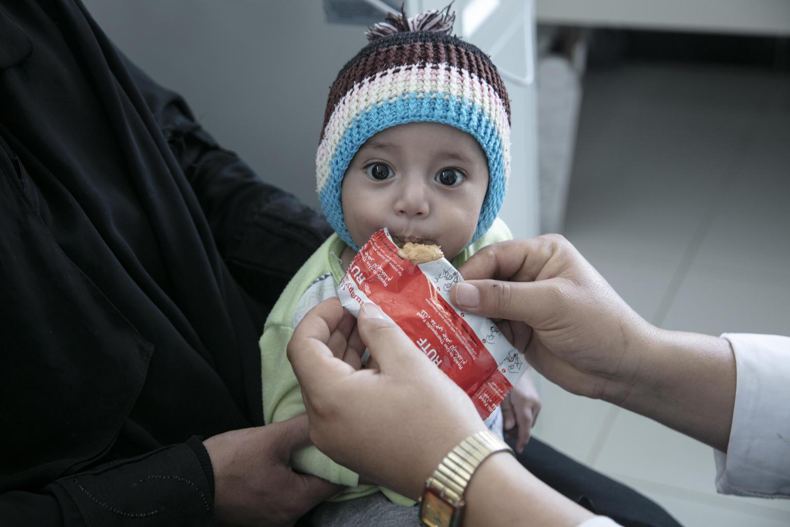Jemen: Každých 10 minut umírá jedno dítě
